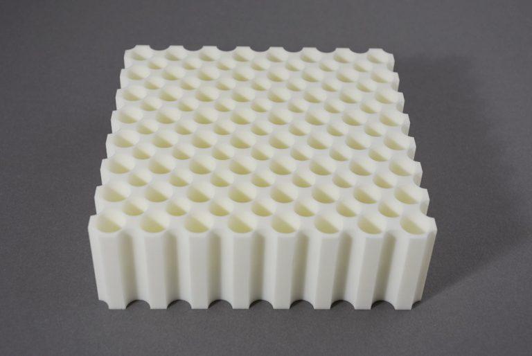 Montažna priprava, izdelana s pomočjo 3D tiska.